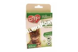 :Dolly Natural Bolha és kullancsriasztó nyakörv macskák részére 43cm  DN0173  Dolly Natural bolha- és kullancsriasztó nyakörv macskák részére Terméknév: Dolly Natural bolha- és kullancsriasztó nyakörv macskák részére Biocid terméktípus, termékforma: 19. terméktípus, riasztó hatású nyakörv. Gyártja: Animall Professional Care Kft. (telephely: 2376 Hernád, Fő u. 183. M: +36-20-852-6464, e-mail: a.p.c.kft@gmail.com Forgalmazó: Alpha-Vet Állatgyógyászati, Kft., 8000 Székesfehérvár, Homoksor 7. Vevőszolgálat: +36-22/516-402, -403, -408, -409, e-mail: vevoszolgalat@alpha-vet.hu, www.alpha-vet.hu Hatóanyag: Gerániol 1,7 g/100 g (CAS szám: 106-24-1), Felhasználási terület: Bolha- és kullancsriasztó hatás kifejtése macska testfelületén. Felhasználási kör: Lakossági felhasználásra Célállat: macska Célszervezetek: bolha, kullancs Adagolás, alkalmazás, hatástartósság: Használat előtt bontsuk ki a hermetikusan záró csomagolást és vegyük ki a nyakörvet. Helyezzük az állat nyakára úgy, hogy két ujjunk a nyakörv alá férjen. Csatoljuk be a nyakörvet, majd a feleslegesen lelógó részt vágjuk le. A nyakörv folyamatos viselés esetén 90 napig elriasztja a bolhákat, 38 napig a kullancsokat. Nyáron 40°C hőmérséklet esetén hatékonysága csak 38 napig garantált. A kutya fürdetése, úsztatása előtt vegyük le a nyakörvet, és csak a bőr és szőrzet megszáradása után helyezzük vissza. Eltarthatóság és tárolás: 18 hónapig eltartható az eredeti csomagolásban, 25°C alatti hőmérsékleten tárolható. Magas hőmérséklettől és gyújtóforrásoktól távol tartandó. Élelmiszertől, italtól, takarmánytól távol kell tartani. Veszélyt jelző piktogramok: Nem jelölésköteles Figyelmeztető mondatok: EUH208 Gerániol-t, methylchloroisothiazolinone-t, methylisonthiazolinone-t tartalmaz. Allergiás reakciót válthat ki. EUH2010 Kérésre biztonsági adatlap kapható. Óvintézkedésre vonatkozó mondatok: P102 Gyermekektől elzárva tartandó. P262 Használat előtt olvassa el a címkén közölt információkat. P264 A használatot követően a keze
