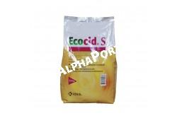 Ecocid S por 2.5 kg  ECOCID3  Összetétel: Az Ecocid S hatóanyaga a kálium peroximonoszulfát, melynek hatékonyságát a hozzáadott felületaktív, szerves és szervetlen savak puffer rendszer növeli.Ecocid S vízben oldódó por (SP) 2,5 kg  Javallat: Vízben oldódó por fertőtlenítésre.• Biocid készítmény állatgyógyászati célú fertőtlenítésre.• Állatok ivóvizének fertőtlenítésére.• Élelem és takarmány/élelmiszer tároló helyek fertőtlenítésére.Általános alkalmazási útmutató:Az Ecocid S általánosan alkalmazható, nagy hatáserősségű, hatékony és biztonságos fertőtlenítőszer, mely védelmet biztosít minden ismert vírus ellen. Ezen kívül, baktericid és fungicid hatást is kifejt.Kiemelkedő biztonságossága és széles biocid hatásspektruma folytán számos különböző célra alkalmazható:Állatorvosi intézmények (állomások, rendelők és laboratóriumok): Az Ecocid S biztonságosan és hatékonyan alkalmazható bármilyen felületen az összes vírus, Gram-pozitív és -negatív baktérium, valamint gomba elpusztítására. Berendezések, tartályok, üvegáru, kézi műszerek, stb. fertőtlenítésére is alkalmazható.Állattartó létesítmények:Az Ecocid S takarmány-előkészítő helyiségek, istállók, kutyaólak, nyúlketrecek, ketrecek, méhkasok és más, állattartásra szolgáló objektumok és felszerelések felületének fertőtlenítésére használható.További alkalmazási területek: Járművek, vágóhidak, élőállat piacok helyiségeinek és tereinek, élelmiszer-feldolgozók és raktárak, háztartási készülékek és felületek fertőtlenítése.Az elkészített Ecocid S oldatot permet vagy köd alakban, továbbá patafertőtlenítő medencékbe és fertőtlenítő sávokba töltve kell alkalmazni. Megtisztított felületek és eszközök általános fertőtlenítésére 1%-os Ecocid S oldatot kell használni, vagyis az 50 grammos tasak tartalmát 5 liter vízben kell feloldani. A por gyorsabb feloldódása érdekében ajánlatos langyos vizet használni. Ha nagyobb mennyiségű fertőtlenítő oldat szükséges, akkor célszerűbb az 1 kg-os zsák tartalmát 100 liter vízben feloldani.  Alkalm